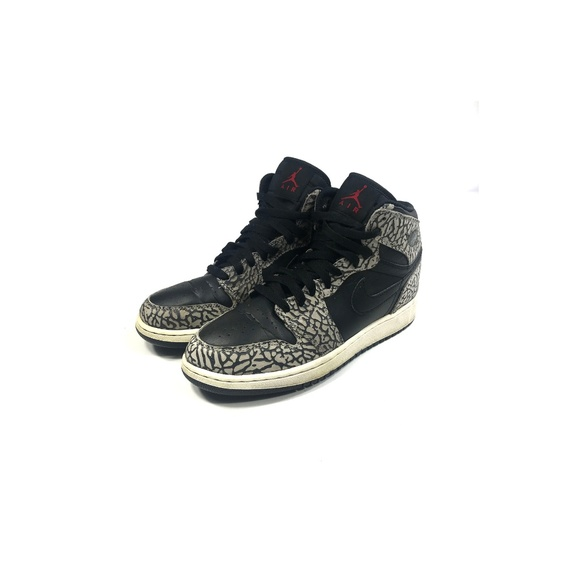 bf5cc863d09 Jordan Shoes | Kids Air 1 Unsupreme Black Gray Size 65y | Poshmark